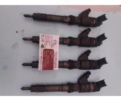 Injectoare iveco 2.3 cod 0445120011
